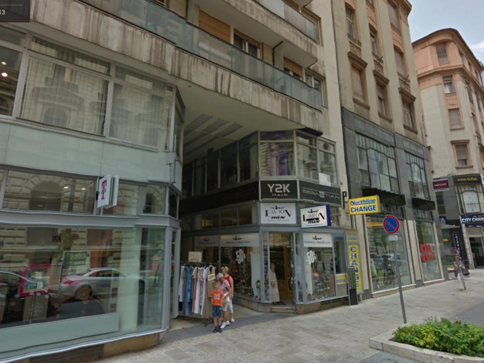 Csak az O&M termékek esetében: Személyes Átvétel Budapest Belvárosban, V. ker.